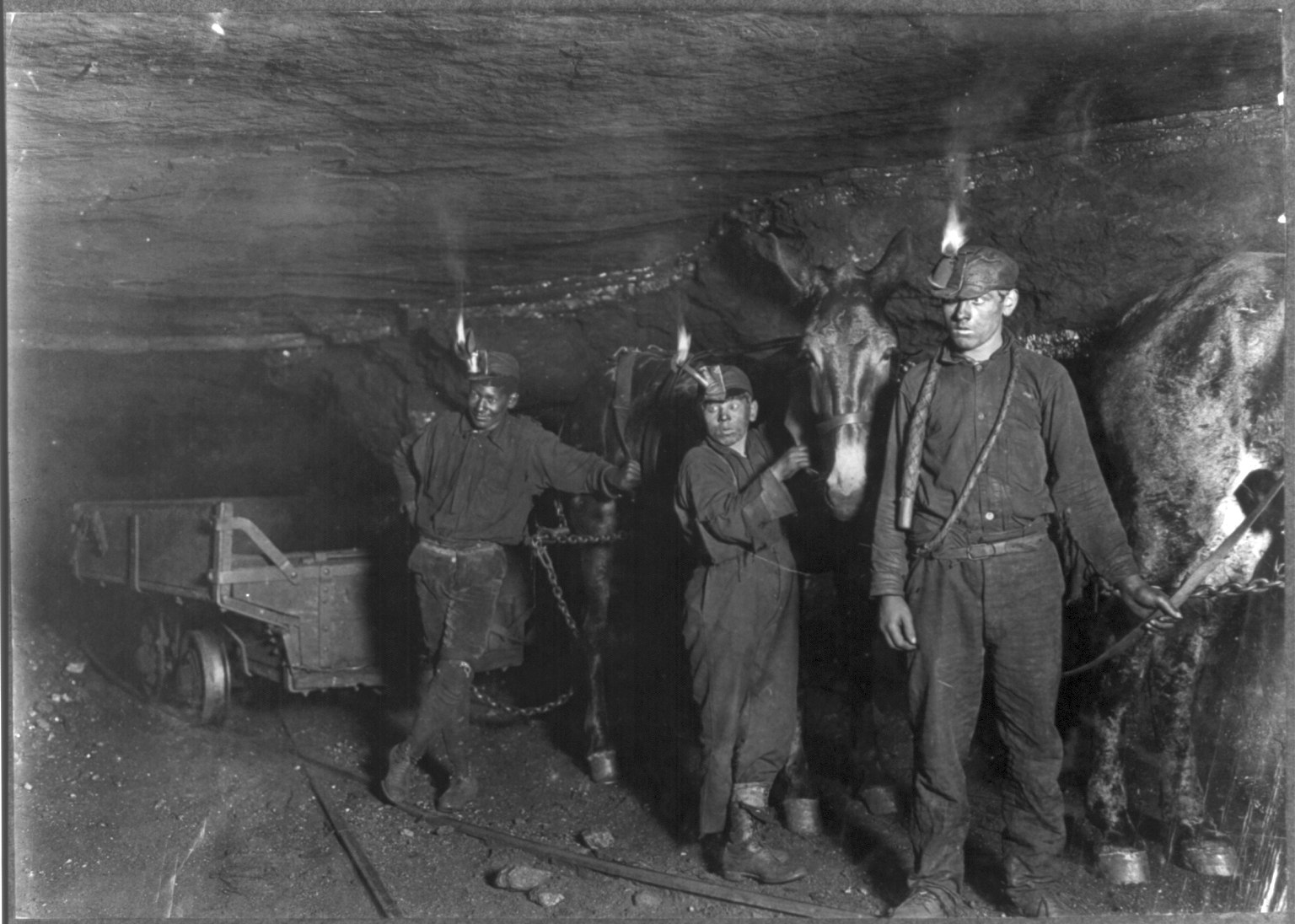 carbone - child_coal_miners_1908